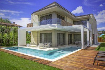 Hai casa all'estero? Sai che devi pagare alcune tasse?