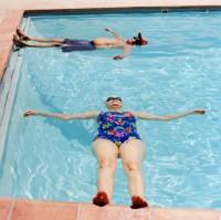piscina con anziani