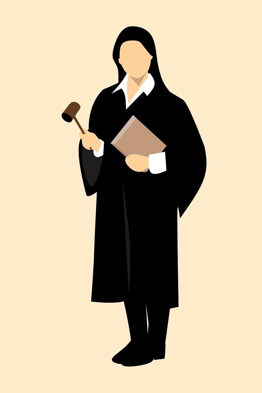 giudice denuncia querela esposto