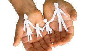 famiglia in mano