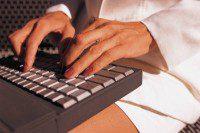 Redditometro - tastiera con mani