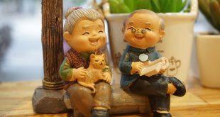 2 nonni contenti del loro bonus nipoti