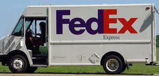 camionicino fedex con pubblicità