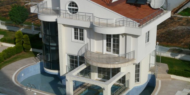 seconda casa con piscina