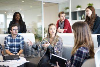 workplace 1245776 1920 350x233 - Incompatibilità Partita IVA a Società: é possibile aprire una società o lavorarci?